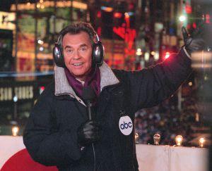 Dick Clark en Times Square durante la retransmisión del Año Nuevo.
