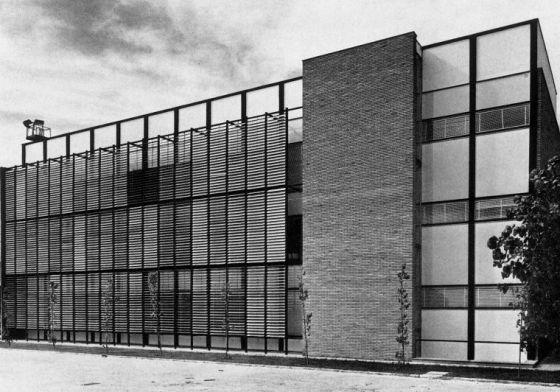 Edificios contra el franquismo cultura el pa s for Arquitectura franquista