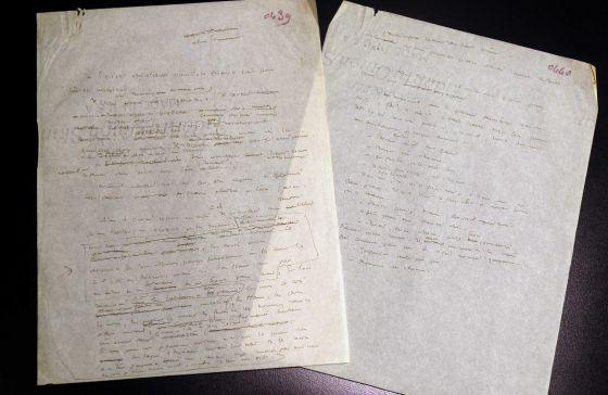 Las dos hojas manuscritas de 'El principito' que subastará la casa ArtCurial.