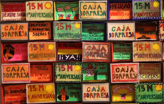 Exposición en el Ateneo de Madrid sobre los indignados del 15- M con motivo del primer aniversario del movimiento.