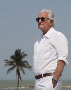 El escritor Carlos Fuentes en Cartagena de Indias.