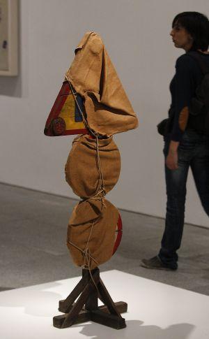 'Señal de tráfico empaquetada', de Christo