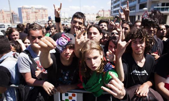 Asistentes al festival Rock in Rio, ayer en Lisboa.