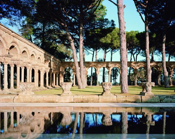 Un claustro románico en la piscina(Palamós-Girona) 1338839166_403833_1338839356_noticia_normal