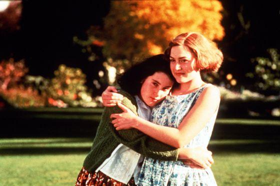 Melanie Lynskey y Kate Winslet, en una imagen de la película 'Criaturas celestiales' (1994), de Peter Jackson.