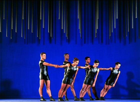 El grupo Corpo, de Brasil, presenta en los Teatros del Canal 'BachParabelo'.