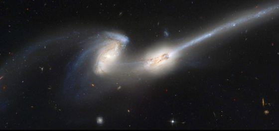Dos galaxias cercanas a una colisión, tomadas por el telescopio Hubble, en 2002.