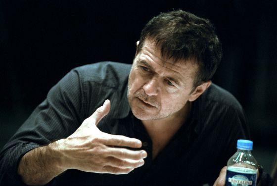 Patrice Chéreau, en un momento de su lectura de 'Coma', de Pierre Guyotat, con dirección de Thierry Thieû Niang