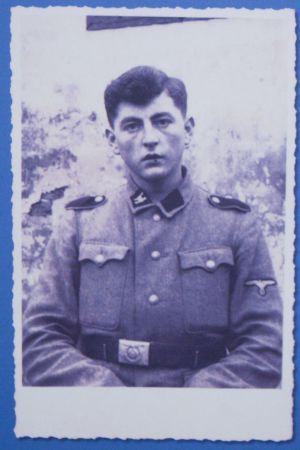 Josef Müller, padre de Herta, con uniforme de las SS.