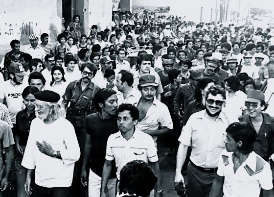 the sandinista government and pope john The participation of priests such as cardenal, his brother ernesto and miguel d'escoto in the leftist government irked pope john paul ii, who publicly wagged his finger at ernesto cardenal during .
