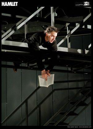Alberto Sanjuán, en una escena de Hamlet.