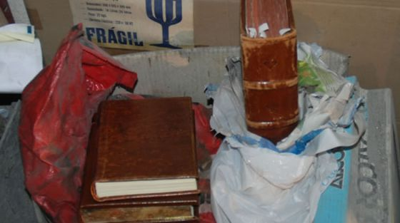 El Códice, tal y como fue encontrado en el garaje de Manuel Fernández Castiñeiras, el electricista que lo había sustraído.
