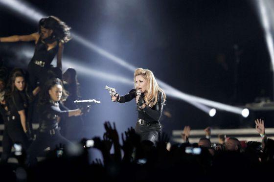 La cantante Madonna en un momento de su concierto en París.