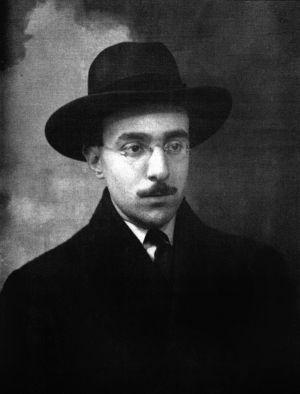 El escritor Fernando Pessoa en 1914, a los 26 años de edad.