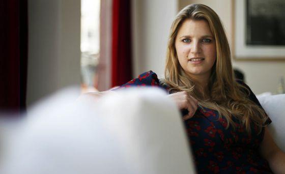 La escritora Emylia Hall
