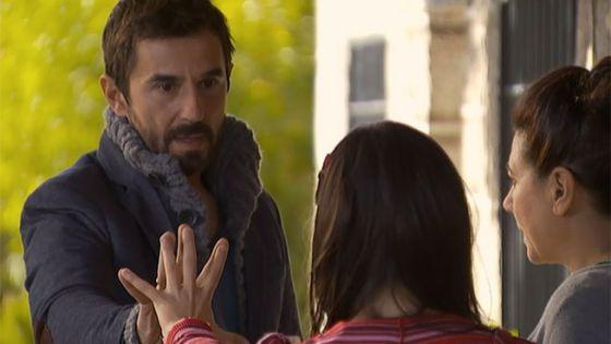 Una escena de 'Frágiles, con Santi Millán