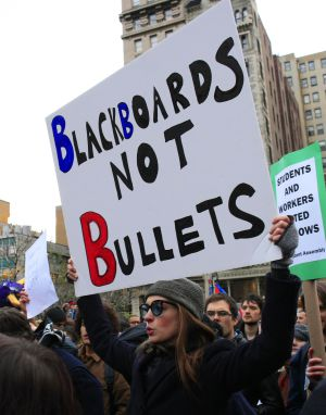 La actriz Anne Hathaway, durante una protesta del movimiento 'Occupy Wall Street'.