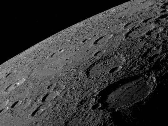 El horizonte de Mercurio, fotografiado por la sonda Messenger
