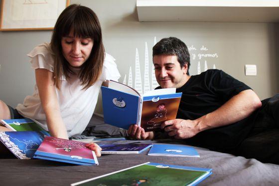 Eva Bonafonte y Chema Diéguez, fundadores de Un caimán azul.