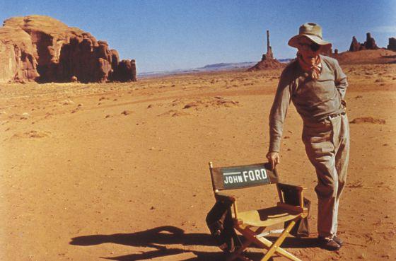 El director de cine John Ford, en Monument Valley, escenario habitual de sus mejores 'westerns'.
