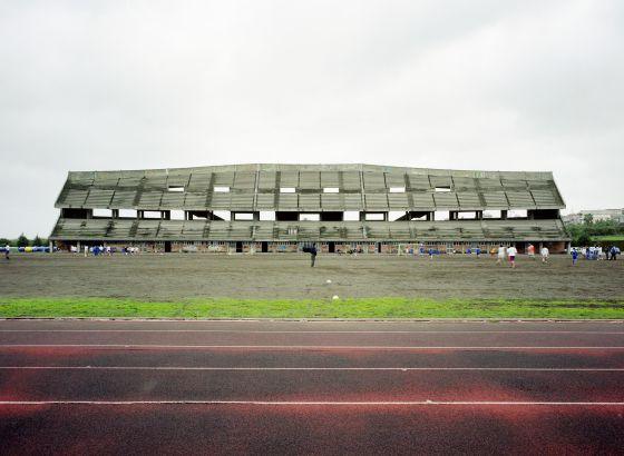 Estadio de polo con capacidad para 22.000 personas, que permanece inacabado en la localidad siciliana de Giarre.