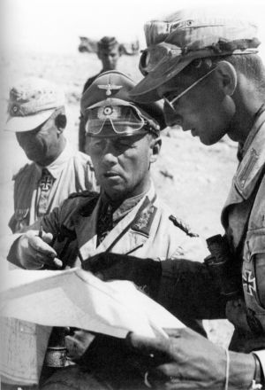 El general del ejército hitleriano Erwin Rommel durante la campaña africana de la Segunda Guerra Mundial.