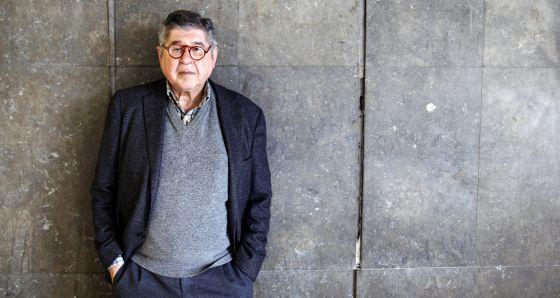 El escritor peruano Alfredo Bryce Echenique.