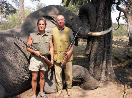 Juan Carlos en una cacería de elefantes en Botsuana.