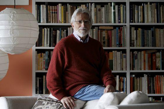 Miguel Sáenz, el sábado en su casa de Madrid.