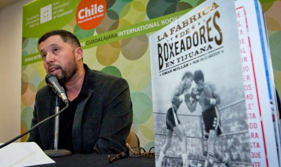Omar Millán, autor del libro durante la presentación.