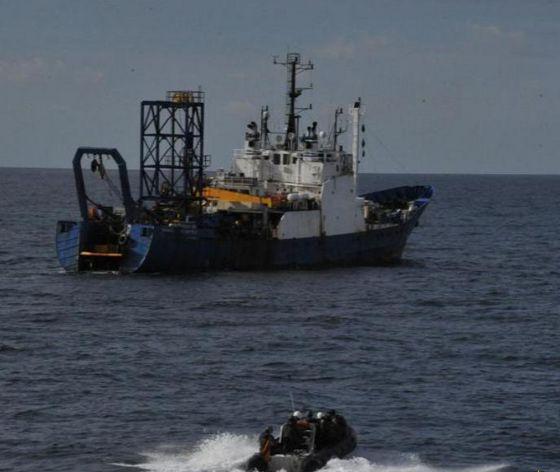 El buque comercial expulsado del mar de Alborán por el patrullero 'Infanta Cristina'.