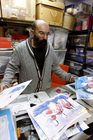 El diseñador español Paco Delgado, en su estudio.