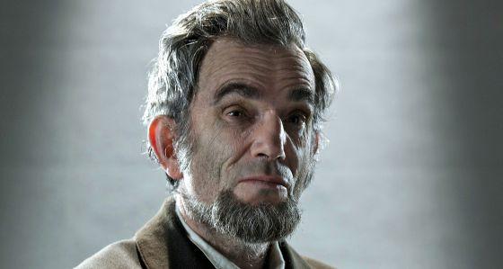 Daniel Day-Lewis, caracterizado como Abraham Lincoln, presidente de EE UU.