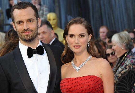 El bailarín francés radicado en Nueva York, Benjamín Millepied, con su esposa, Natalie Portman.