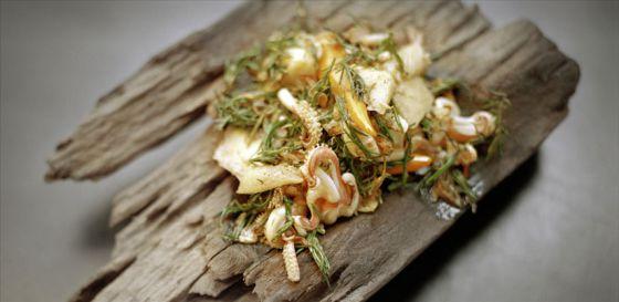 Calamar salteado con verduras.