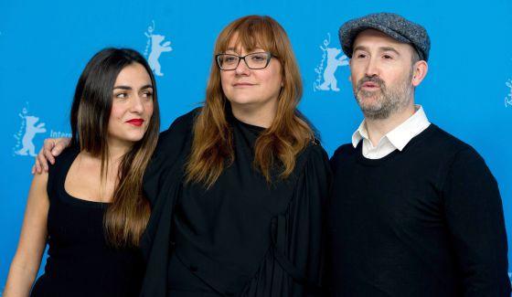 Candela Peña, Isabel Coixet y Javier Cámara, en Berlín.