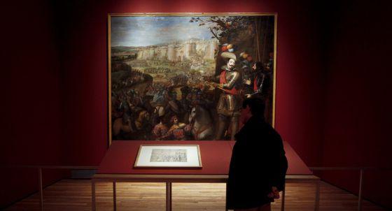 'La expugnación de Rheinfelden' (1634), de Vicente Carducho en su dibujo preparatorio (en primer plano) y en el lienzo que pertenece a la colección del Prado.