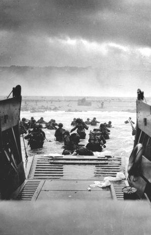 Imagen del desembarco de Normandia en dia 6 de Junio de 1944.