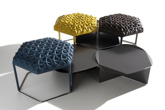 Mesa-puf Hive, del estudio suizo Atelier Oï.