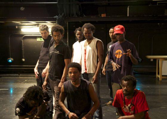 Los actores de 'Quijotadas', en un ensayo de la representación.