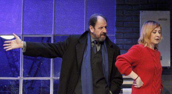 José María Pou y Nathalie Poza, actores protagonistas de la obra de teatro 'A cielo abierto'.