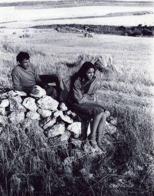 Ana Belén y Miguel Narros en Segovia en 1967.