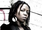 Chiwoniso Maraire, cantante rebelde de Zimbabue
