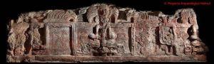 El descubrimiento de un friso desmitifica la vocación pacifista de los mayas