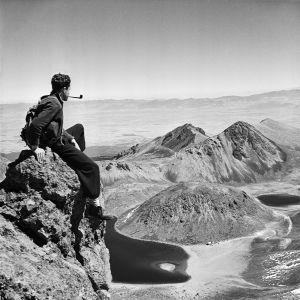 Autorretrato tomado en el Nevado de Toluca hacia 1940, obra del escritor y fotógrafo mexicano Juan Rulfo.