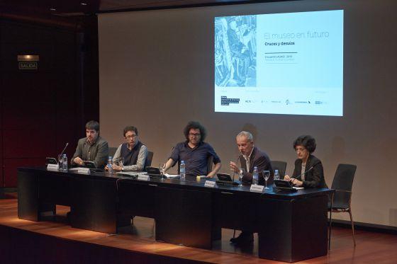 Ponentes de la conferencia 'El museo en el futuro. Cruces y desvíos', en el auditorio del Reina Sofía.