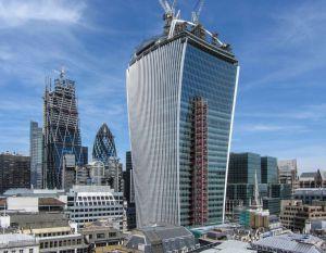 Torre 20 Fenchurch Street, de Rafael Viñoly en Londres conocida como 'Walkie Talkie'.