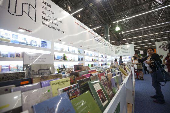 Las editoriales independientes se abren paso en la FIL Guadalajara