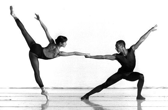 Tony Fabre y Eva López Crevillén, en un ensayo con la Compañía Nacional del Danza en abril de 1997.