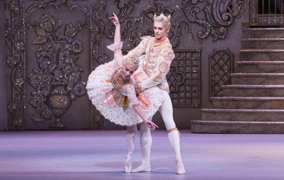 La bailarina española Laura Morera y Federico Bonelli, en el 'Cascanueces'.